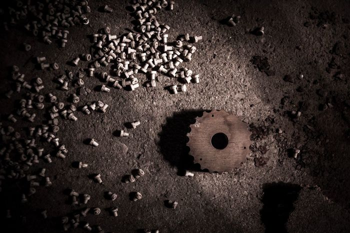 Gear Shadow Dark Zahnrad Gear Lostplace No People Close-up Shape Outdoors Brown Circle Geometric Shape