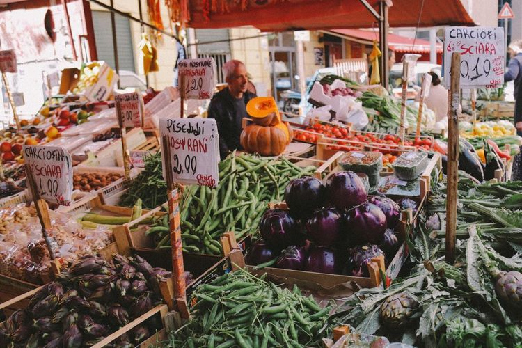 Vegetable Food Variation Healthy Eating Market Freshness Retail  Market Stall Price Tag Choice Organic Purple Abundance Day Outdoors Cauliflower Large Group Of Objects Lettuce Palermo Sicily