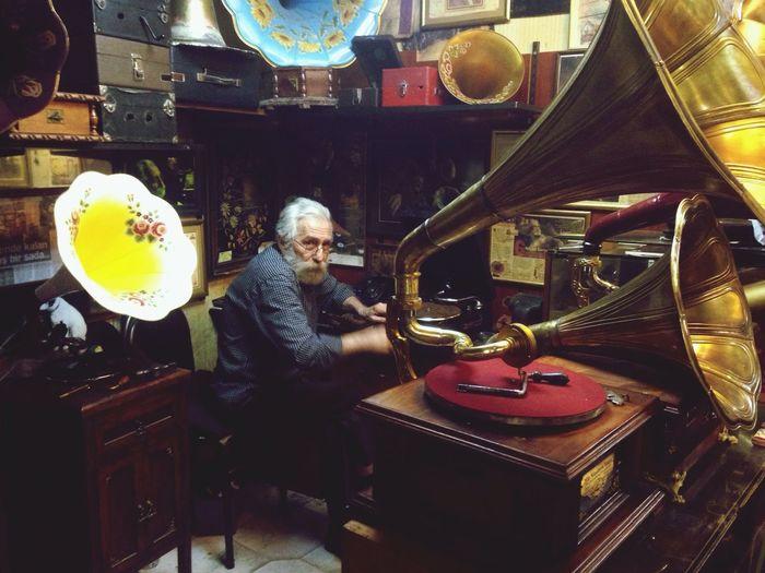 Gramophonefather Gramafon Dad Musiclover Music Istanbul Turkey Grandbazaar  The Portraitist - 2016 EyeEm Awards Soundcheckphotos