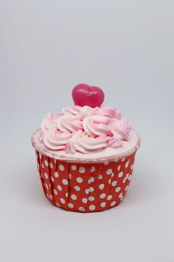 Cup Cake Heart Shape Heart ❤ Valentine's Day  Valentine Valentine's Day - Holiday Sweet Food Sweet Pink Color Cake Cupcake Stawberry Cupcake Colors Cupcake Pink Strawberry Ice Cream Cupcake Holder Candy Heart Cupcake