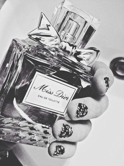 Parfume Dior Blackandwhite Nails Flowers