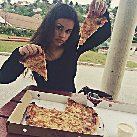 pizzamonsterrr.😜 Pizza Pizza Time Food Date Lovely Summer Daysoff Freedom Girl Summergirl