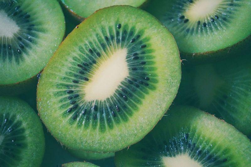 Kiwi halves background