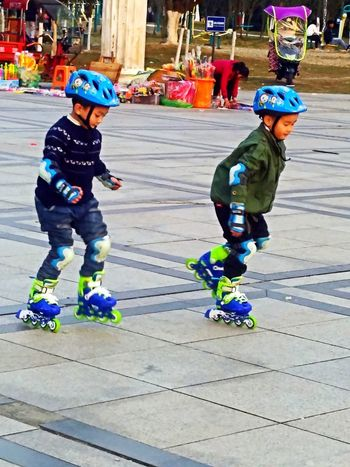 小心 Full Length Child Childhood Balance Boys Girls Children Only