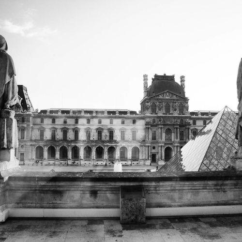 Louvre Louvremuseum Museum Pyramid Paris France Architecture Urbanexploration Cultures Travel Destinations History Tourism City Architecture Travel Built Structure Building Exterior Minimalist Architecture Welcome To Black Resist The Secret Spaces Art Is Everywhere