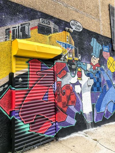 Astoria, Queens Brick Walls Eyes Faces Graffiti Graffiti Art Graffiti Street Art Graffitiporn Hundred Color Street Art Street Art/Graffiti Vibrant Colors