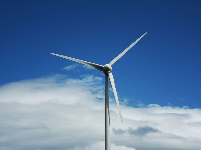 Huawei P20 pro Wind Turbine Wind Power Alternative Energy Blue Windmill Fuel And Power Generation Technology Industry Sky Solar Equipment Electricity Tower Solar Energy Serrated Traditional Windmill Sustainable Resources Electrical Grid Circular Saw Sustainable Lifestyle Crane - Construction Machinery Solar Power Station Hand Saw Turbine Renewable Energy Power Supply Industrial Windmill Water Pump Solar Panel