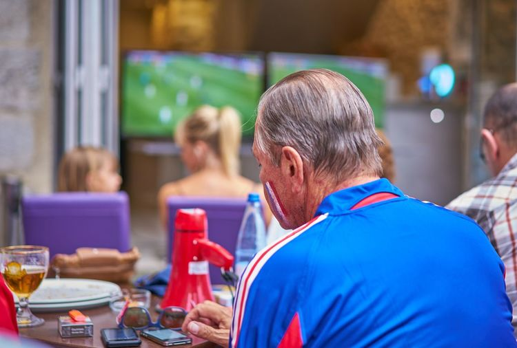 Watching worldcup final in France Enjoying Life Eye For Photography Eye For Photography Soccer World Cup Bored Allez Les Bleus Les Bleus Fifa2018 Weltmeister Soccer World Cup France Watching Football Men Real People Adult Lifestyles Group Of People Focus On Foreground Love The Game Senior Adult Arts Culture And Entertainment Restaurant Sitting