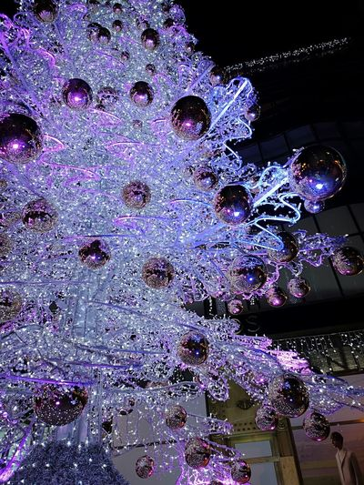 #cristmas #ChristmasTree #beautiful #decoration Close-up Light Painting Fairy Lights Colorful Light Christmas Bauble Light Effect Multi Colored
