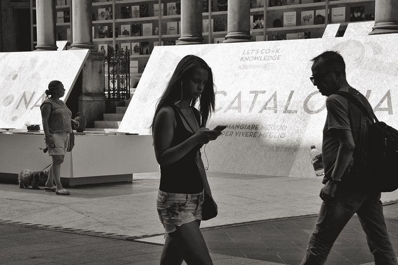 EEA3-Milano The Global EyeEm Adventure Beautyisourduty Streetphotography Light And Shadow Open Edit Blackandwhite Monochrome EyeEm Bnw The Street Photographer - 2015 EyeEm Awards