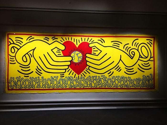Haringwall #sida #hivaidsactivism #socialactivism #art #work #sex #popart #popculture #muralbcn #muralbarcelona #haringmuralbarcelona #street #barcelona #city #photo #capture #exposure #composition #color #vsco #vscocam Keith Haring Keithharingwall Milano Palazzoreale Palazzo Reale