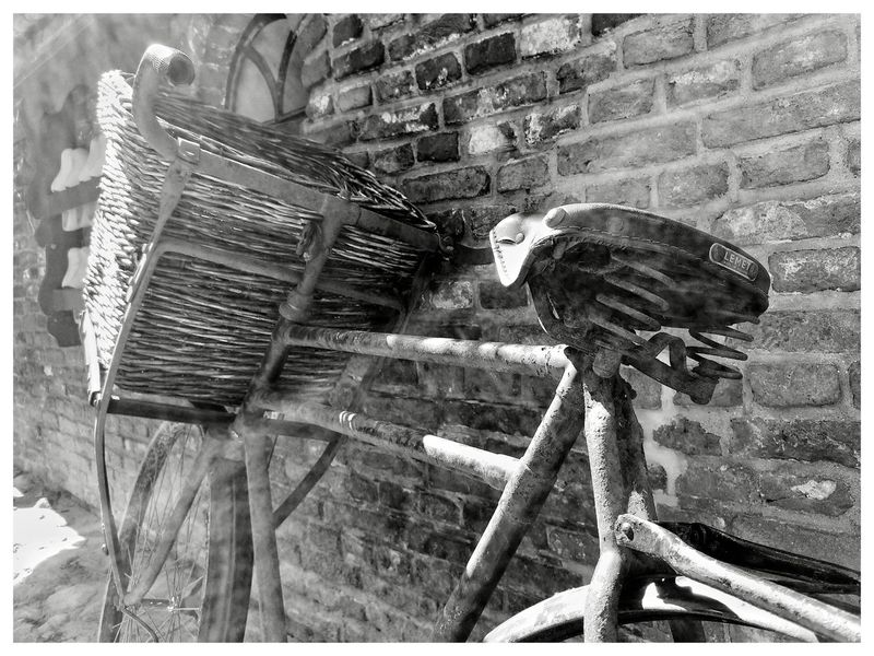 Bycicle Sunlight Old Bike Old Antique Netherlands Blackandwhite Blackandwhite Photography Blackandwhitephotography Blackandwhitephoto Black And White Black And White Photography EyeEm Best Shots - Black + White Streetphoto Streetphotography_bw Streetphotography Close-up