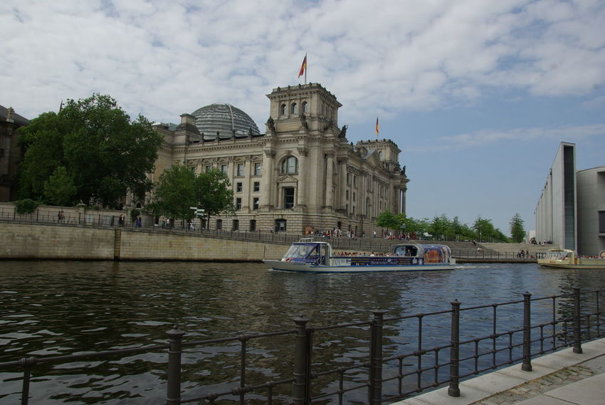 Berlin-Mitte Deutschland ReichstagBuilding Architecture Building Exterior Built Structure City Cloud - Sky Day Dome Germany History Nature No People Outdoors Reichstagskuppel River Sky Tourism Transportation Travel Travel Destinations Tree Water