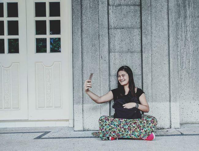 Just smile Selfie ✌ Selfie ♥ Selfie Time Selfie Portrait Women Who Inspire You Women Of EyeEm Woman Women Women Style Capture The Moment Real People Lifestyles Getting Inspired Lovely Enjoying Life Model EyeEm Best Shots EyeEm Gallery Eyeem Philippines Philippines