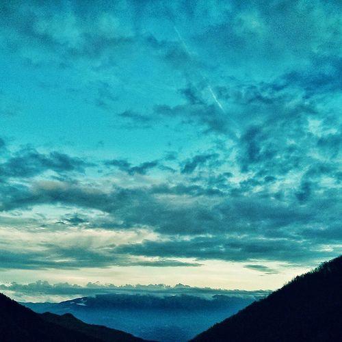The sky above as seen from Alta Via Dei Monti Liguri Avml Altaviadeimontiliguri Ig_laspezia Casoni Sunset Clouds And Sky Evening Sky Sky And Clouds Skyporn