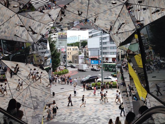 Crazy mirrors Tadaa Community Mirror Reflection The Purist (no Edit, No Filter) Harajuku Unique Urban Geometry Architecture