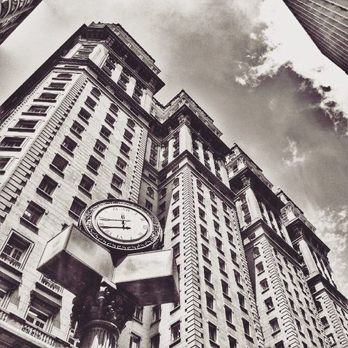 A hora do tempo. City Urban Town Clock Building Sky Clouds Old History Bestoftheday