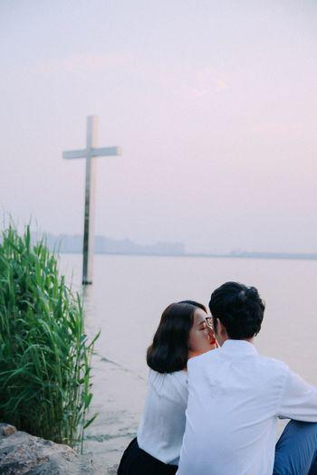 Love White Shirt Kiss Cross Riverside Romantic Eyesclosed This Is Family