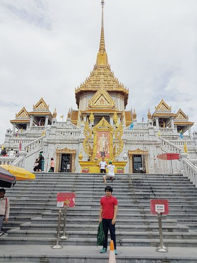 Good Morning. This is the Temple of the Golden Buddha.