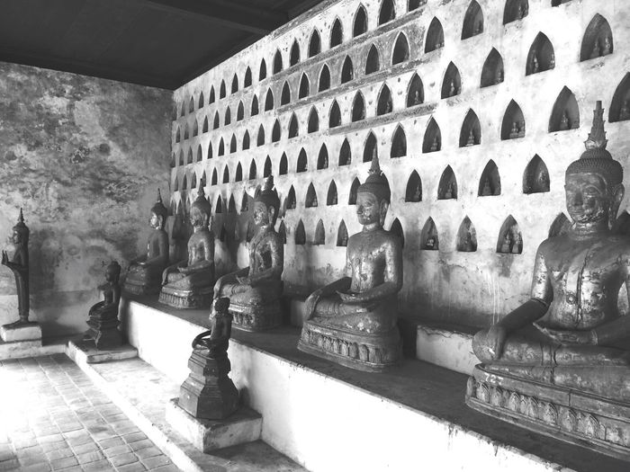 🙏🏻 Laos Budist Tempel Temple - Building Temple Architecture Built Structure Building Exterior No People Building Day Wall - Building Feature Nature Sunlight Pattern Flooring High Angle View Outdoors Window Art And Craft History The Past Travel Destinations Wall