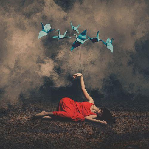 牽引到幸福的地方 BoShiuan Shiuanphoto Photoshop Paper Surrealism Fine Art Photography Blue Red Fog Girl Keelung Taiwan Composition