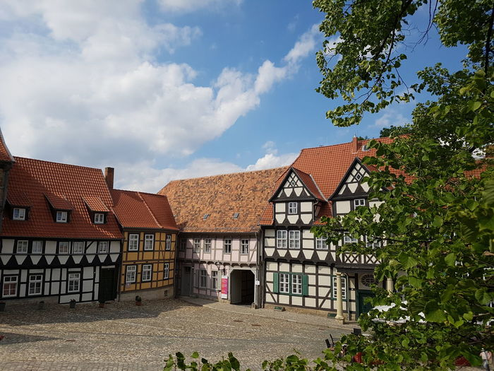 Quedlinburg Altstadt Architecture Building Exterior Built Structure Outdoors Day Cloud - Sky Sky No People Tree Blue Sky Travel Destinations Harz The Week On EyeEm Ladyphotographerofthemonth Sunlight Photography Themes No Edit/no Filter From High Above Architecture Cityscape Fachwerkhäuser Your Ticket To Europe