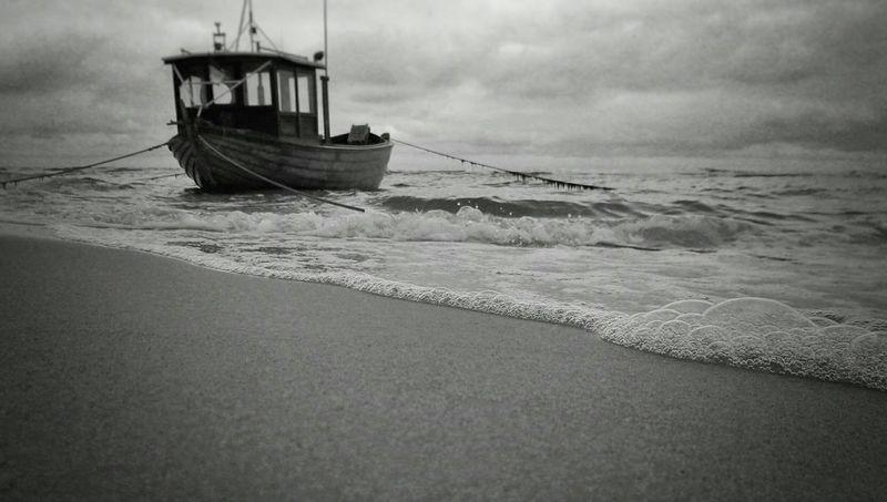 Boat Beach Black & White