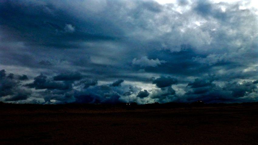 Clouds Cloudscape Storm Clouds EyeEm Landscape Creative Light And Shadow Light & Dark - Landscapes