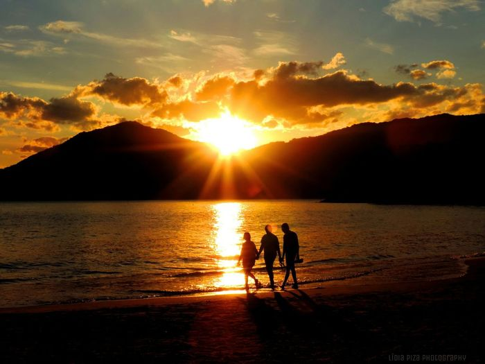 The original shot! Sunset Three People Taking Pictures Taking Photos Traveling Home For The Holidays Beauty In Nature Brazil Full Length Silhouette Nature Outdoors Beauty In Nature Sky Sea Mountain Tranquility Cloud - Sky Togetherness Scenics Sun Beach Water People Adult Day