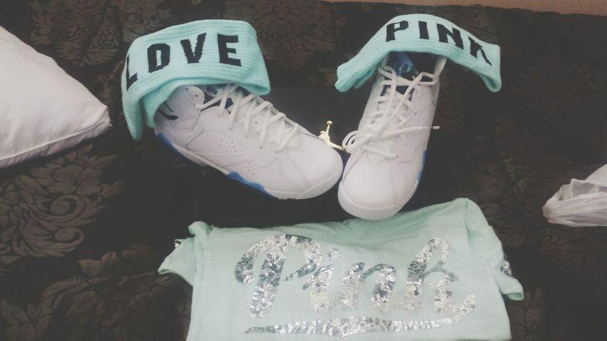 Had to treat myself Jordans 7's  Lovepink NOFLEX 2k15😍😍 Valentines