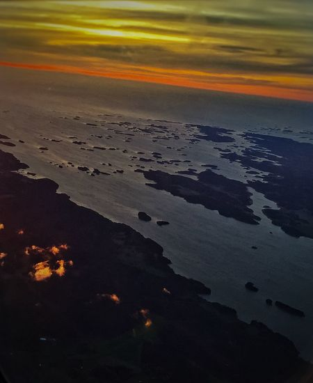 When the Sun is about to rise Sunrise InTheSky Fromplanewindow Baltic Sea Check This Out Showcase: February Ilovephotography Amaturephotography Stockholmdiaries🇸🇪🇸🇪 Eye4photography  Iphonephotography Stockholm