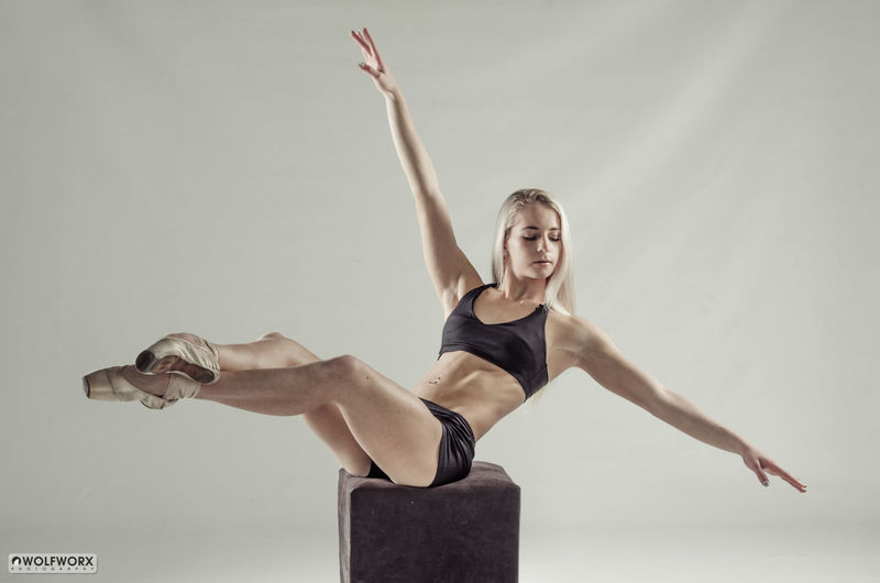 Balance Beautiful Woman DANCE ♥ Dancer Dancing Around The World Female Legs Muscles Physique