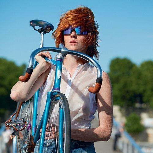 Oakley Heritage x Wad Mag Shot by @c_reel Model: @leonoremasson Bicycle: @heritageparis Wadmag Oakley Oakleyheritage Heritageparis heritage bike cycle cycling bicycle velo takenwithmybike