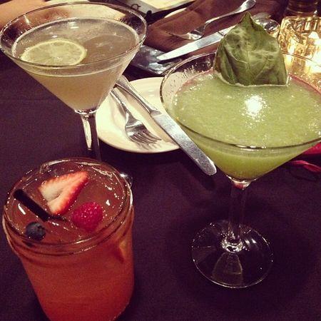 ??? Stillneighbors Inmyworld Girlsdrinks Martinis @madamecalcagno
