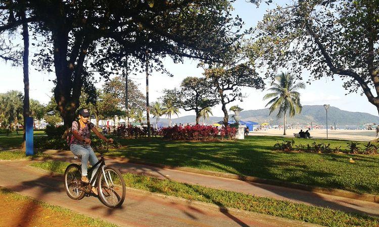 Bicyclepath Sun_day Beachphotography Peoplephotography - Gonzaga - Santossp