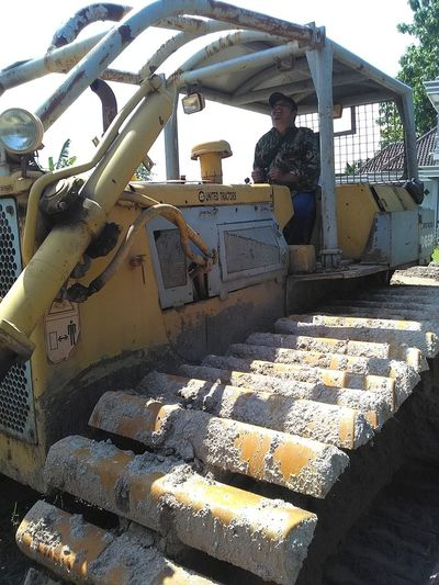 Buldozer Machine Day Heavy Equipment Industry Machinery Men One Person Outdoors People Real People Sky