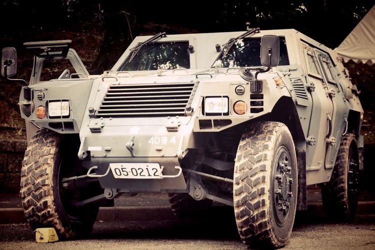 Japan Ground Self-Defense Force Car Japan Self-Defense Forces JGSDF 自衛隊 陸上自衛隊 車 軽装甲機動車 中に入っていいって言われたけど子供に紛れるのが恥ずかしくて入る勇気がなかった(*∩ω∩)
