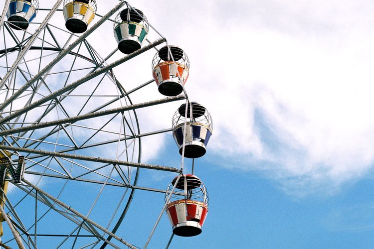 Sky Ferris Wheel Cloud - Sky Arts Culture And Entertainment EyeEm Film Photography Film Photography 35mm Film Low Angle View Filmisnotdead Film Minimalist Architecture