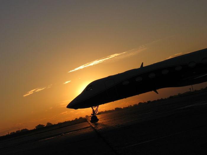 Avion Atardecer Aeropuerto Palomar Piloto Sol Pista