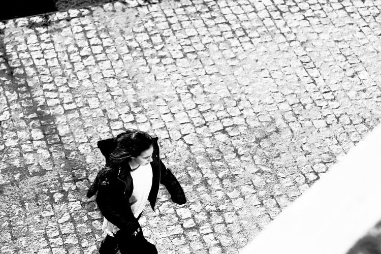 Black & White Black And White Day High Contrast High Contrast Bnw Lifestyles One Person One Woman Only People Real People Walking Women Blackandwhite Photography