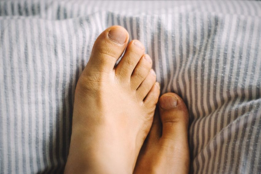 Too lazy Open Edit EyeEm Best Edits Feet Human Body Part Body & Fitness Toes Human Foot Real People Photographic Memory Comfortable Close-up Barefoot Personal Perspective Body Part Man Human Feet No People Minimalism Minimalobsession In The Bed Lazy Day Laziness Lifestyles Skin Human Skin