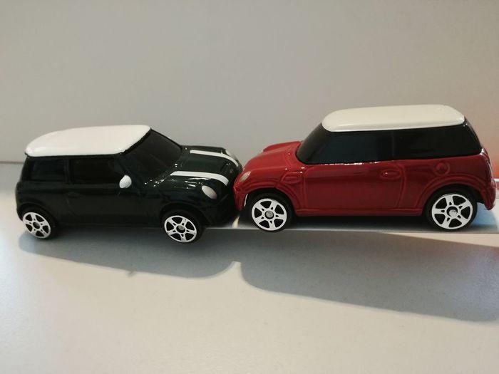 A Mini incident...on the desk? Car Old-fashioned Racecar Mini Mini Cooper Mini Cooper Generations Mini Owners