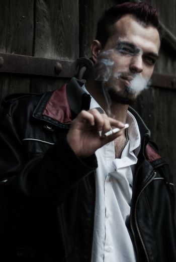 One Man Only One Person Red That's Me Check This Out Irkutsk City Faces Of EyeEm Smoking - Activity