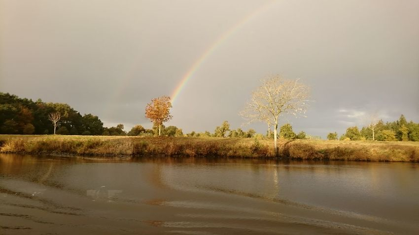 Rainbow Atmospheric River Liberté BonheurSilence Of Nature Thankful Nature Daydreaming Backgrounds River Along The River Sun Day Water No People Silence EyeEmNewHere Beauty In Nature Life