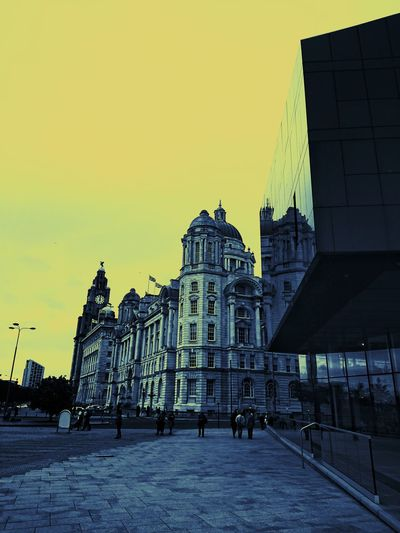 Paint The Town Yellow Architecture Building Exterior City Cityscape Sky Artvisual EyeEmNewHere Shotbyxperiaxzpremium Liverpool Awesome_view Creativetones Vision Uk_shooters Urbanromantix Agameoftones Kill_shooter Yellow Urban People Street Built Structure Travel Destinations History Sculpture