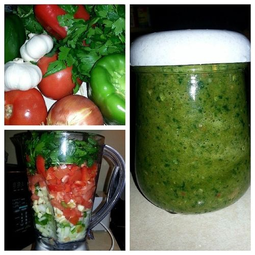 Homemade sofrito!! Homemade Natural Cleaneating Nopreservatives sofrito veggies food delicious Icantlivewithoutthisstuff amazing nyomnyom