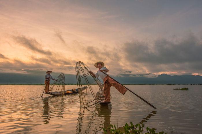 Burma Burma People Burmese Fisherman Inle Lake, Shan State, Myanmar Traditional Culture Inle Lake Shan State Boat Burmese Culture