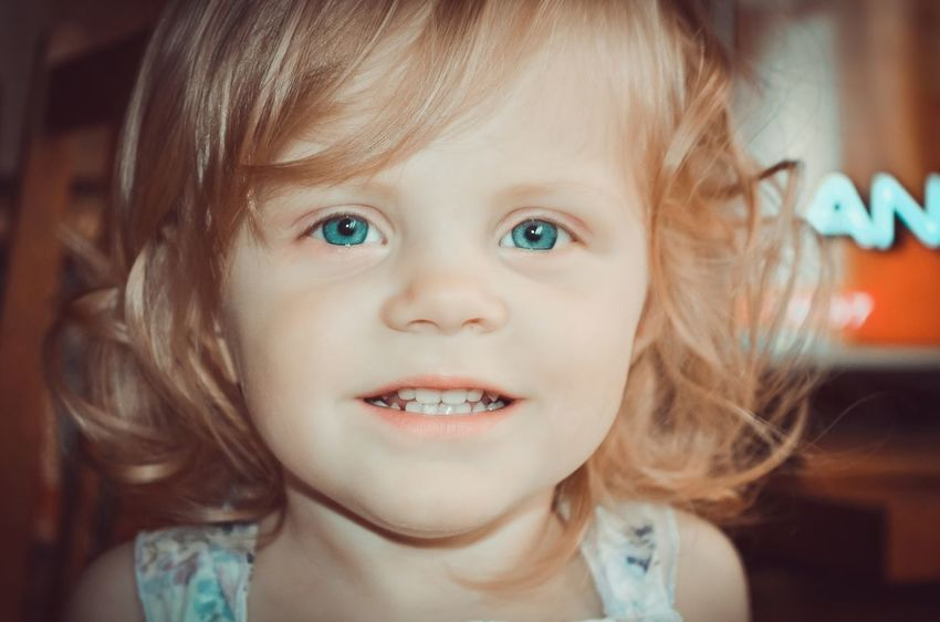 Childhood Headshot Portrait Close-up Cute Looking At Camera Elementary Age Child Blond Hair Human Face ребенок улыбка Smile дети голубые глаза глазки The Portraitist - 2017 EyeEm Awards