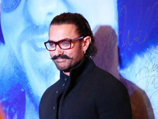 Aamir khan 💐 India Happiness Star - Space Star Aamirkhan Eyeglasses  One Person Real People Young Adult Smiling Portrait Looking At Camera