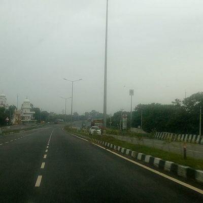 Early morning Drive Road Roadtrip India Indianroad Karnal Delhi Highway Nhaí Nationalhighways Goldythakur13 Goldythakur 13 Own Bharat Hindustan Beautyofroads Gtroad